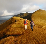 Heading across Cnoc Toinne to the descent route - The Zig-Zags